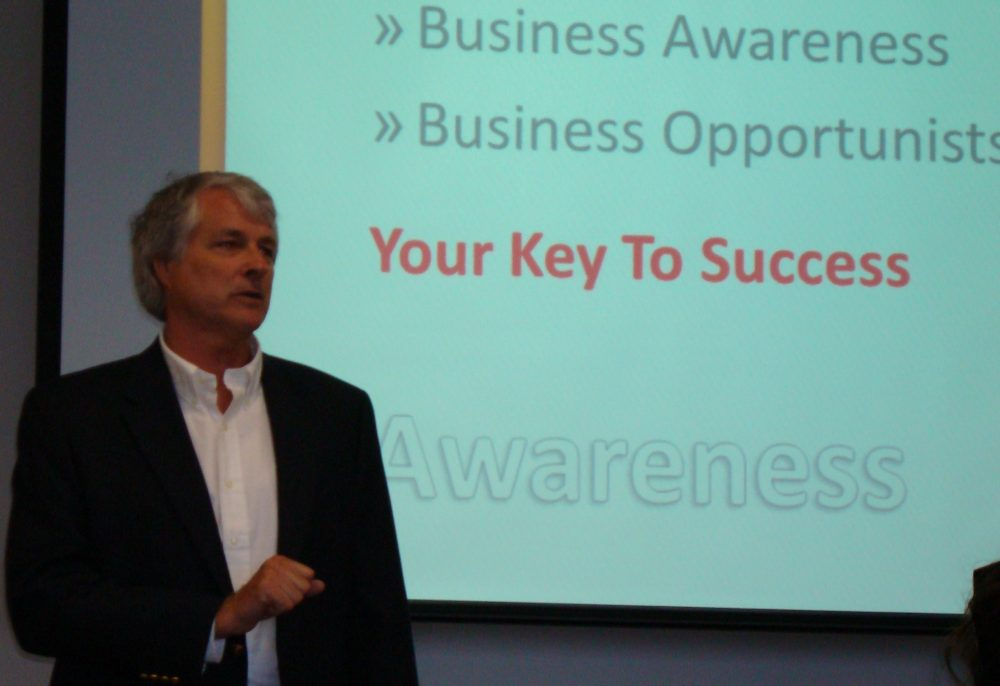 Photo of Mr. Richard Scott, Class of 72, Participates in the Nathan M. Bisk College of Business Visiting Entrepreneur Program