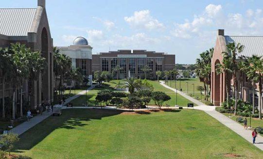 Photo of Fiske 2017 College Guide Names Florida Tech 'Top Technical Institute'