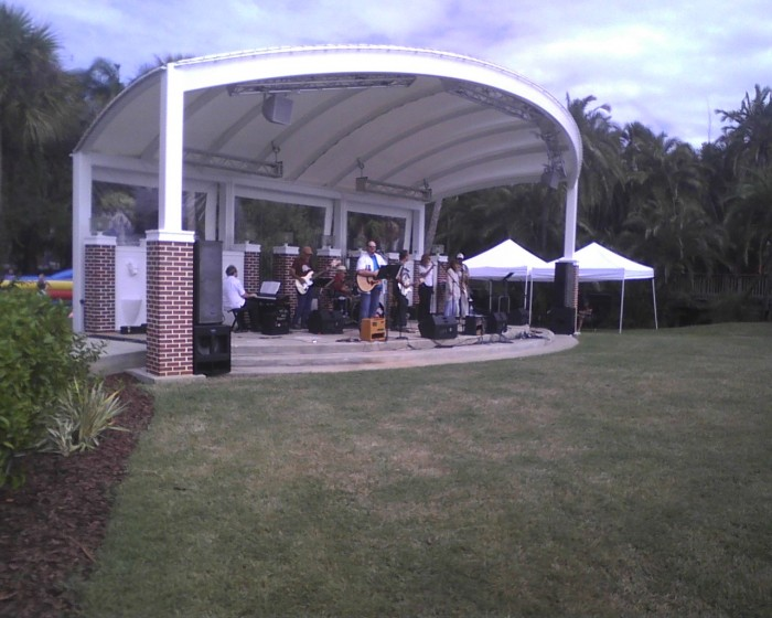 TWITCHY plays live music for the audience at the President's Picnic.
