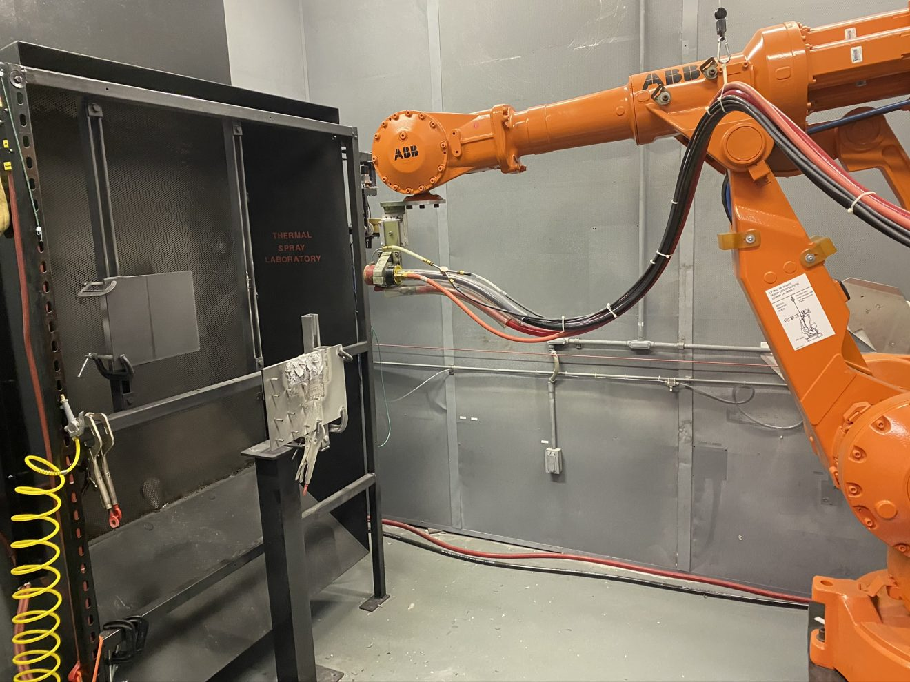Photo of Florida Tech Lab Explores Stronger, Safer Parts